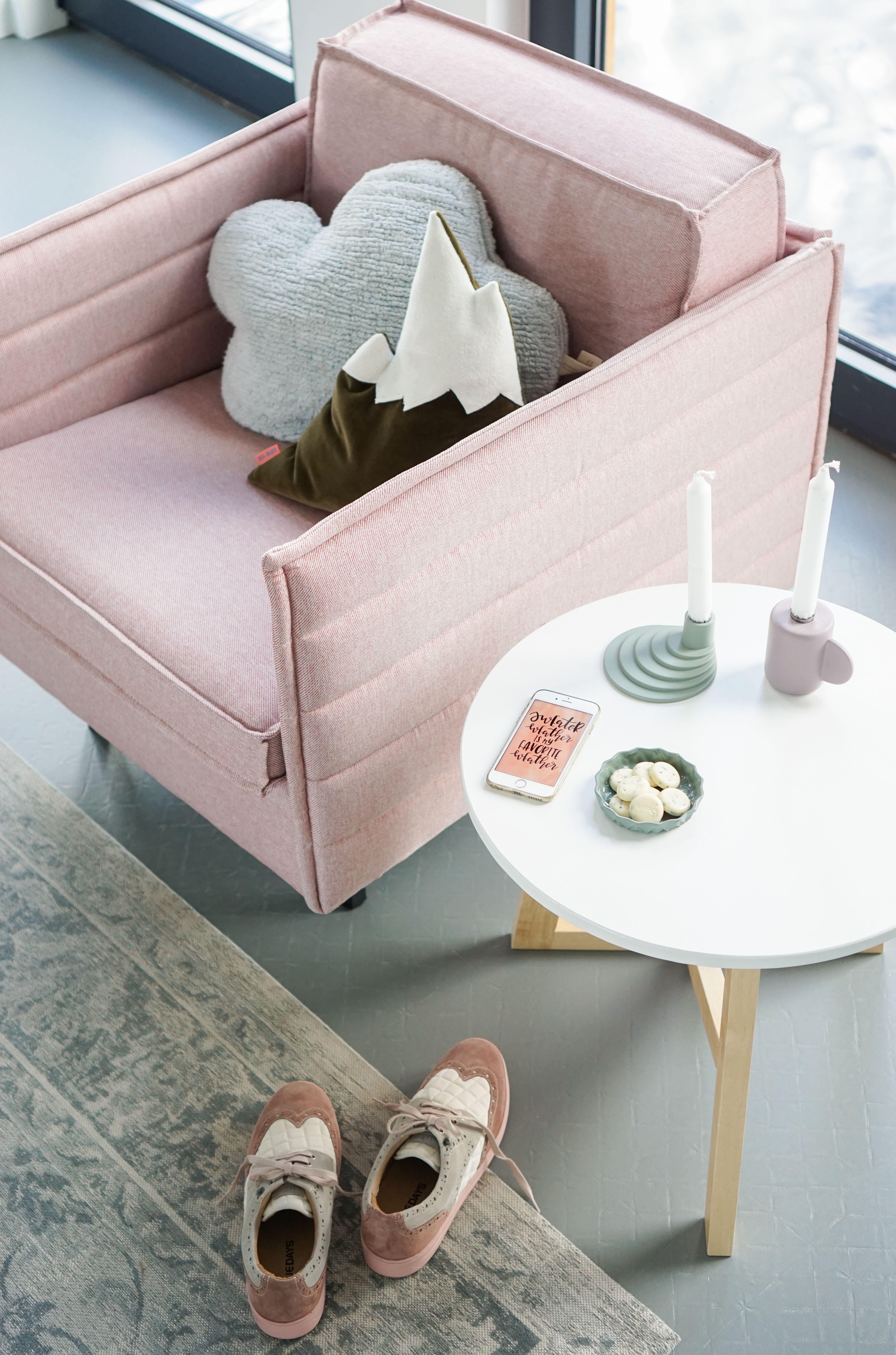 binnenkijker Annelies roze stoel